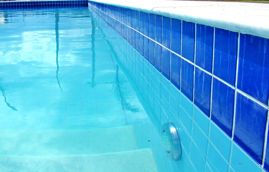 pool servicing gold coast